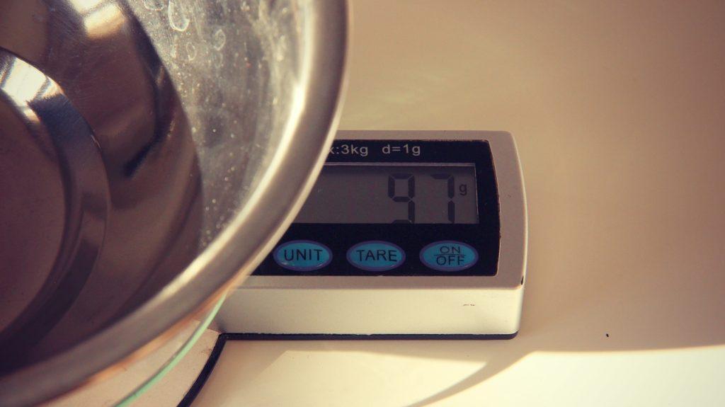 comment-utiliser-efficacement-une-balance-de-cuisine-bases-de-cuisine-2