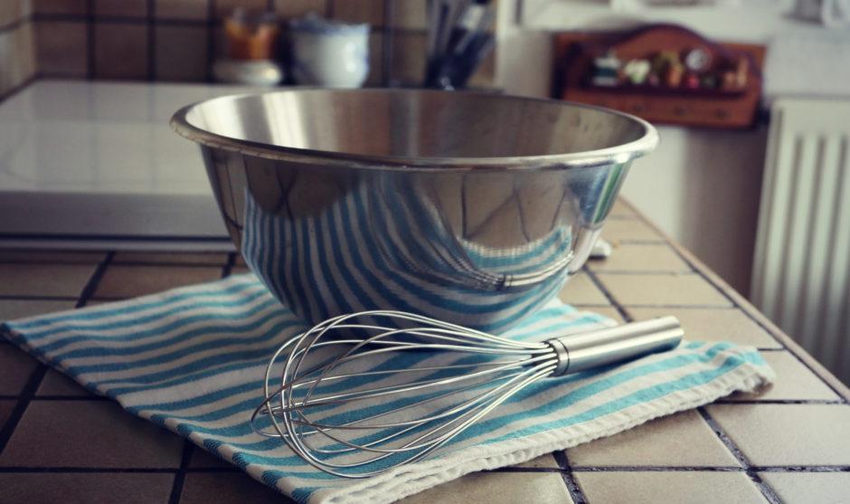 ASTUCES DE CUISTOT : Comment mélanger une préparation pour qu'elle soit rapidement homogène?