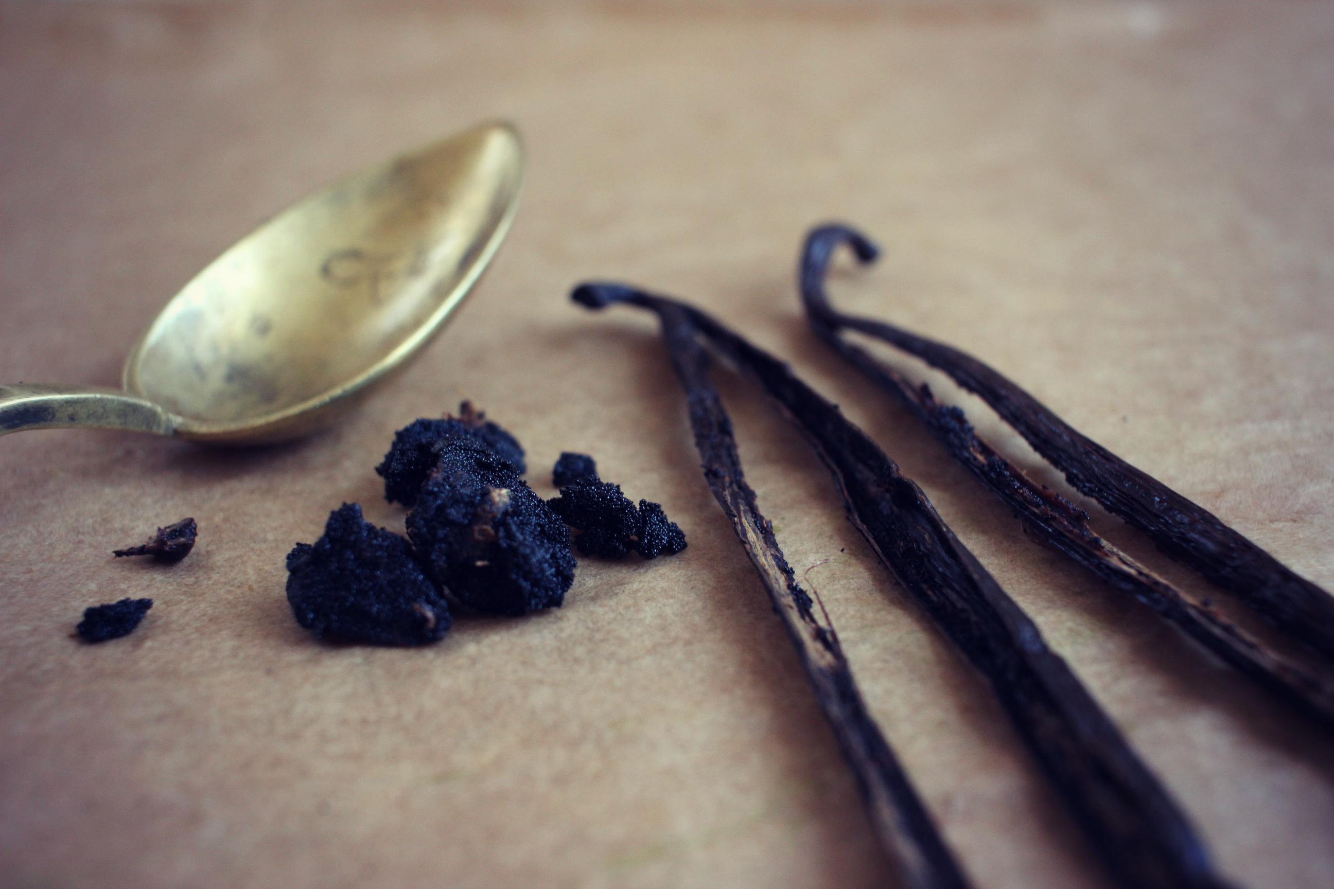 comment-enlever-graines-gousse-de-vanille-techniques-de-cuisine-1